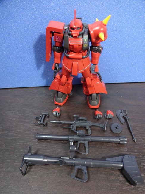 HGUC ジョニーライデン専用ザクⅡ 武装.jpg